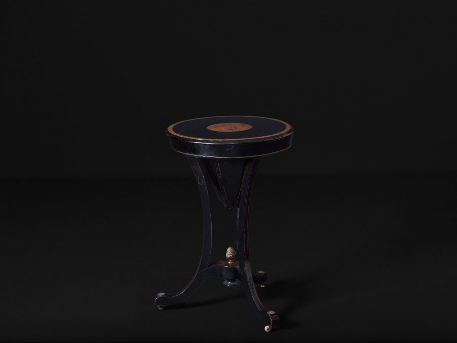 "Victorian Cone Table with Inlaid Ebonised Mahogany - ""Sewing table"" (Closed)"